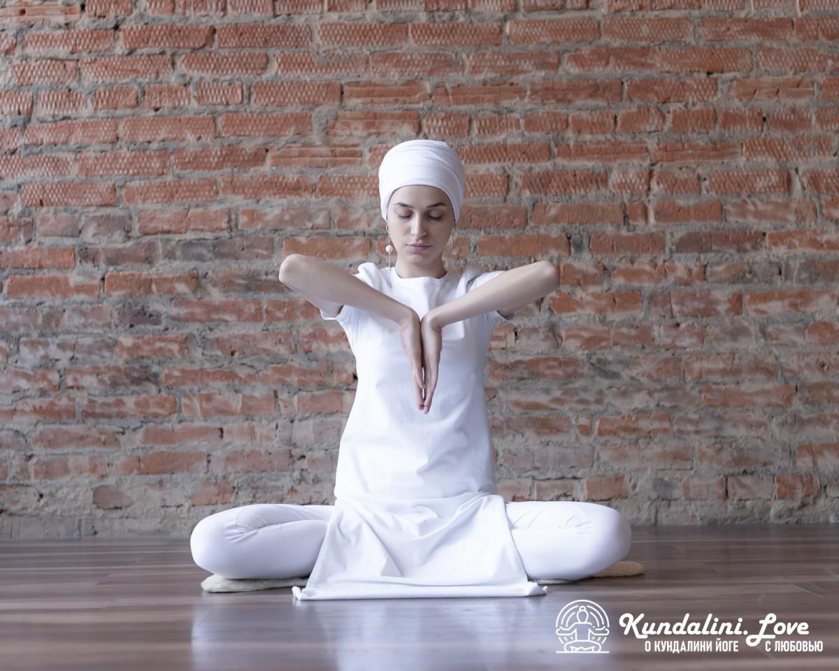 Антар Наад Мудра как медитация для полнолуния
