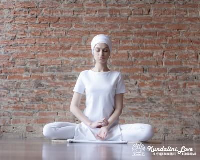 Медитация Кундалини Йоги для тех, кто учится медитировать картинка