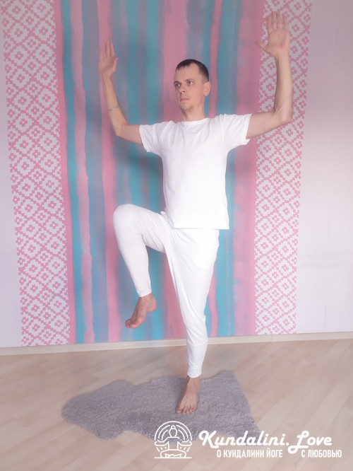 Бег на месте. Упражнение Кундалини Йоги картинка