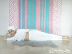 Девять одноминутных поз 9. Упражнение Кундалини Йоги картинка