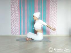 Девять одноминутных поз 2. Упражнение Кундалини Йоги картинка