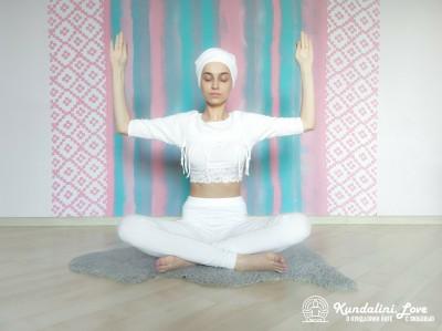 Девять одноминутных поз 5. Упражнение Кундалини Йоги картинка