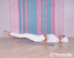 Инкрементные подъемы ног. Упражнение Кундалини Йоги 1 картинка