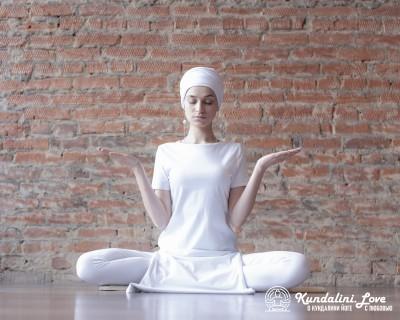 Исцеляющая медитация с Сири Гаятри Мантрой картинка