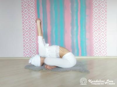 Йога Мудра 1. Упражнение Кундалини Йоги картинка