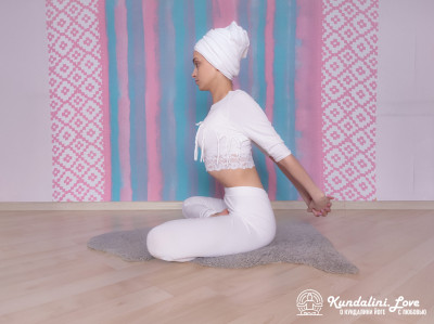 Йога Мудра. Упражнение Кундалини Йоги 1 картинка