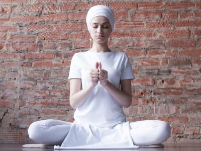 Медитация для преодоления враждебного отношения к себе