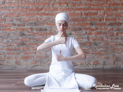 Медитация Кундалини Йоги для стабильного «я» картинка