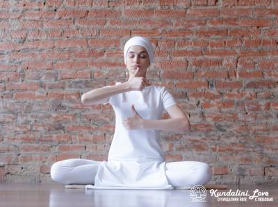 Медитация для стабильного «я». Кундалини Йога картинка