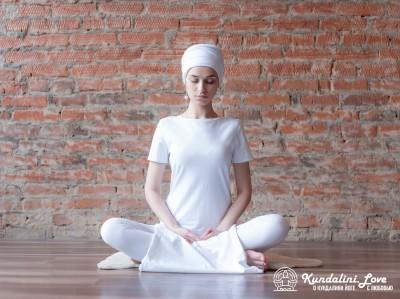 Медитация Кундалини йоги с Пран Бандха Мантрой картинка