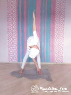 Мельница 3. Упражнение Кундалини Йоги картинка