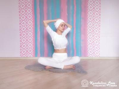 Наклоны и повороты в сторону 2. Упражнение Кундалини Йоги картинка