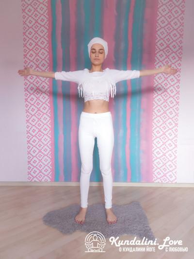 Наклоны в стороны. Упражнение Кундалини Йоги картинка
