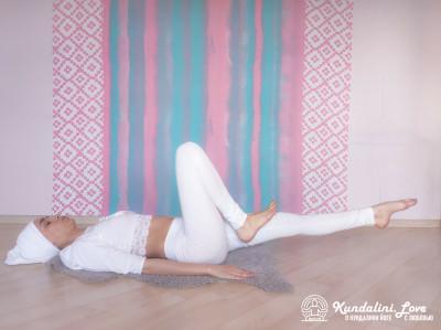Насооборазное движение ногами 2. Упражнение Кундалини Йоги картинка