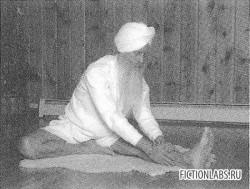 Переднее растяжение влево Кундалини йога картинка картинка