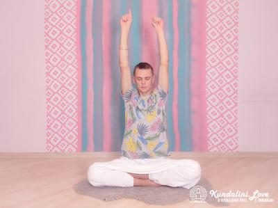 Поочередное выпрямление и сгибание пальцев рук. Упражнение Кундалини Йоги картинка