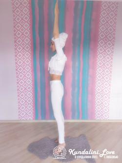 Подъемы на носки 2. Упражнение Кундалини Йоги картинка