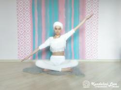 Покачивающие движения руками 3. Упражнение Кундалини Йоги картинка