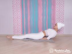 Постепенное поднятие и опускание корпуса. Упражнение Кундалини йоги 2 картинка