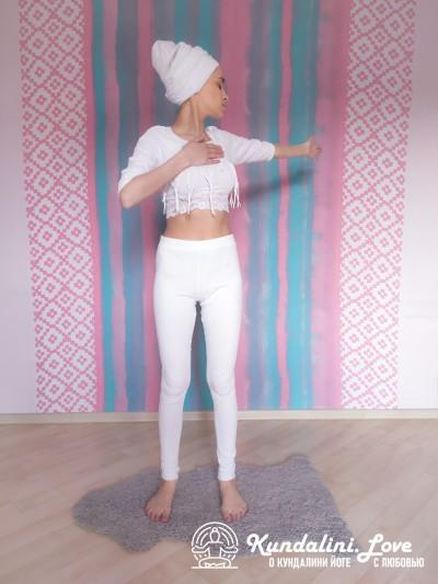 Повороты верхней части тела 1. Упражнение Кундалини Йоги картинка