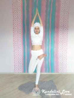 Поза Дерева 2. Упражнение Кундалини Йоги картинка