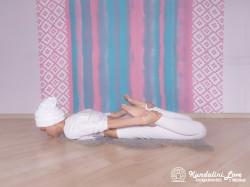 Поза Лука. Упражнение Кундалини Йоги 1 картинка