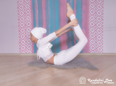 Поза Лука. Упражнение Кундалини Йоги картинка