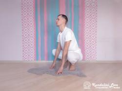 Поза Лягушки (медленно) 1. Упражнение Кундалини Йоги картинка