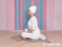 Прогибы позвоночника 1. Упражнение Кундалини Йоги картинка