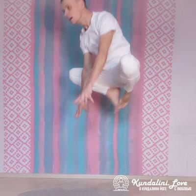 Прыгающая Лягушка 2. Упражнение Кундалини Йоги картинка