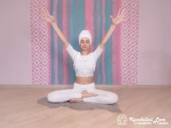 Тряска руками и медитация под песню «Бог, Ты — моя любовь» 1. Упражнение Кундалини Йоги картинка