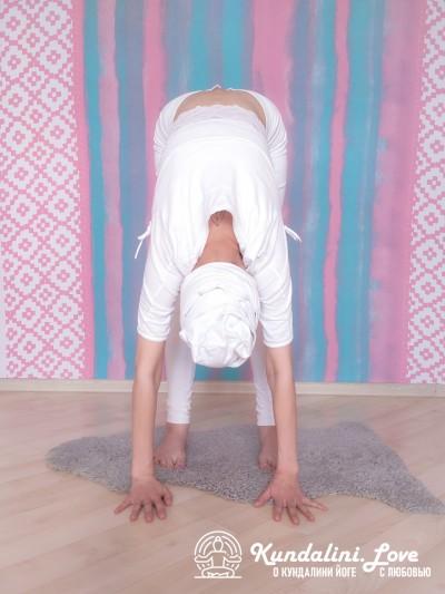 Упражнение из трех частей с мантрой Хар 2. Упражнение Кундалини Йоги картинка