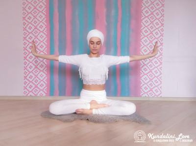 Вращение правой и левой руками в Простой Позе 1. Упражнение Кундалини Йоги картинка