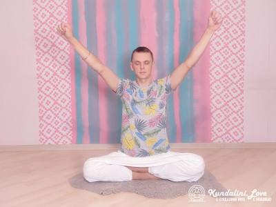 Круговые движения кулаками. Упражнение Кундалини Йоги 1 картинка