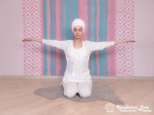 Вставание на коленях 1. Упражнение Кундалини Йоги картинка